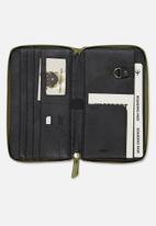 Typo - Rfid odyssey travel compendium wallet - green
