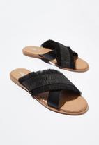Cotton On - Lola cross over fringe sandal - black
