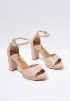Cotton On - Garnet platform heel - neutral