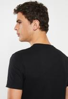 GUESS - Basic abstract logo tee - black