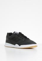 adidas Originals - A.R. Trainer - core black / ftwr white