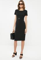edit - Fitted dress with belt - black