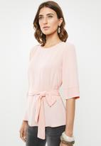 edit - Belted tunic with 3/4 sleeves - pink