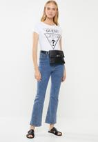 GUESS - Short sleeve double tri motif tee - white