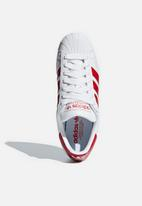 adidas Originals - Superstar - ftwwht/scarle/ftwwht