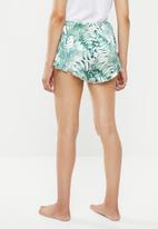 Missguided - Palm print satin frill hem short - green & white