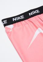 Nike - Nike swooshfetti legging - multi
