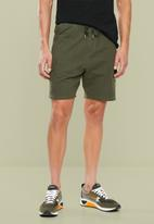 Superbalist - Utility sweat shorts - green