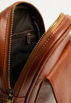 basicthread - Flight bag - tan
