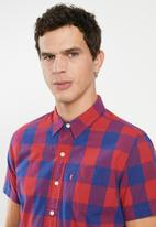 Levi's® - Classic one pocket short sleeve shirt - blue & red