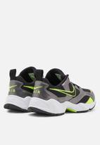 Nike - Air Heights - black / volt-mtlc dark grey-white