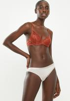 Cotton On - Audrey 1/2 cup demi contour bra - orange