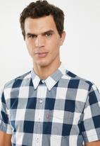 Levi's® - Classic one pocket short sleeve shirt - blue & white