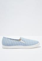 Cotton On - Holly slip on - blue