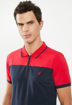 POLO - Joseph custom fit short sleeve colour block golfer - red & navy