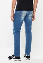 GUESS - Esse slim fit straight leg jeans - blue