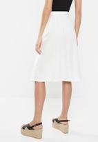 Jacqueline de Yong - Kalifa pocket skirt - white