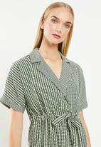 Vero Moda - Arie short wrap dress - multi