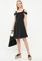 Jacqueline de Yong - Affa off shoulder dress - black