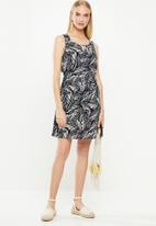 Vero Moda - Simply easy short dress - navy & cream