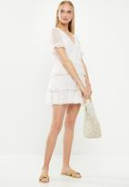 Cotton On - Woven sara short sleeve ruffle mini dress - white