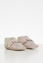 shooshoos - For the one moccasin - gold