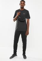 Under Armour - Sportstyle lc back short sleeve tee - black