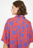 Superbalist - Resort shirt - red & blue