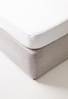 Sheraton Textiles - Egyptian cotton fitted sheet - white 400tc
