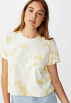 Cotton On - Chopped pockets tie dye T-shirt - cream & yellow