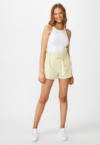 Cotton On - Riley high waisted shorts with stripes - yellow & white
