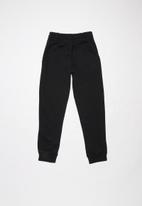 Nike - Boys Nike sweat pants club - black