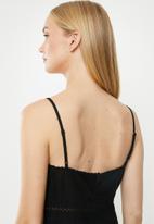 Cotton On - Woven serene strappy mini  - black