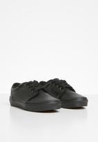 Vans - Uy 106 vulcanized classic - black
