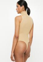 Missguided - Roll neck sleeveless bodysuit - beige