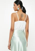 Missguided - Cowl front strappy bodysuit - white
