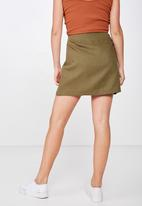 Cotton On - Woven tara split mini skirt - green