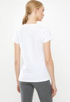 New Balance  - Essential stacked logo tee - white