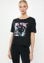 New Balance  - In bloom tee - black