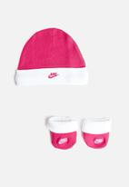 Nike - Futura hat and bootie - pink