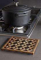 Kitchen Craft - Brass finish trivet - 21cm