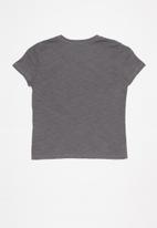 GUESS - Teens short sleeve Guess 3 step tee - grey
