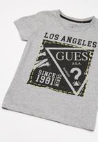 GUESS - Short sleeve Guess stamp tee - grey