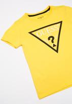 GUESS - Teens short sleeve Guess triangle tee - yellow