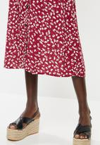 Superbalist - Button through midi skirt - burgundy & white