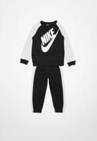 Nike - Nike boys oversized futura crew set - black & white