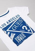 GUESS - Short sleeve Guess stamp tee - white