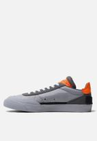 Nike - Nike drop type - wolf grey/black-total orange-dark grey