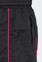 adidas Originals - Cuffed tech pants - black