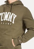Tommy Hilfiger - Tjm essential Tommy hoodie - khaki